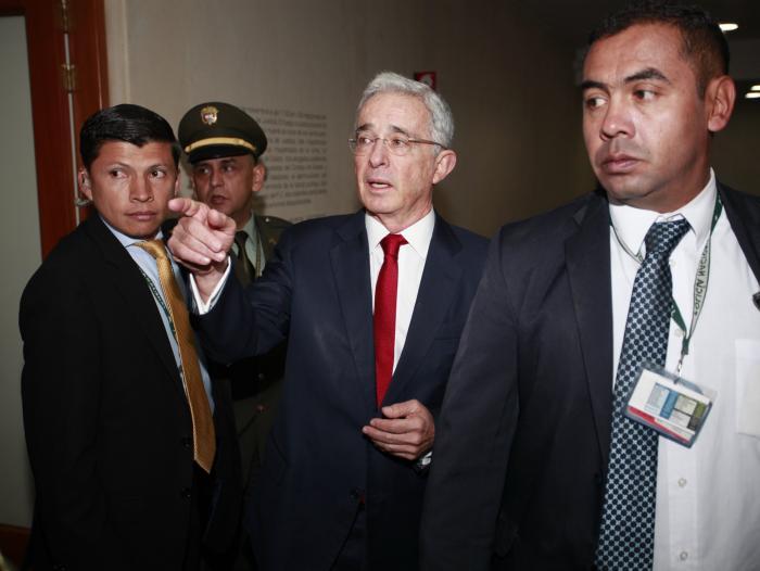 Tras informe de SEMANA, Corte abre indagación preliminar a Uribe