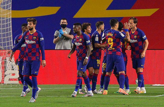 Con gol de Rakitic el Barcelona mantiene las esperanzas de LaLiga