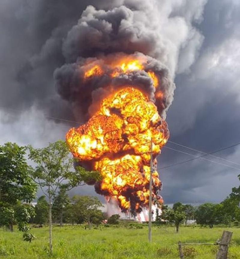 Grave contaminación ambiental por atentado al oleoducto en Arauquita