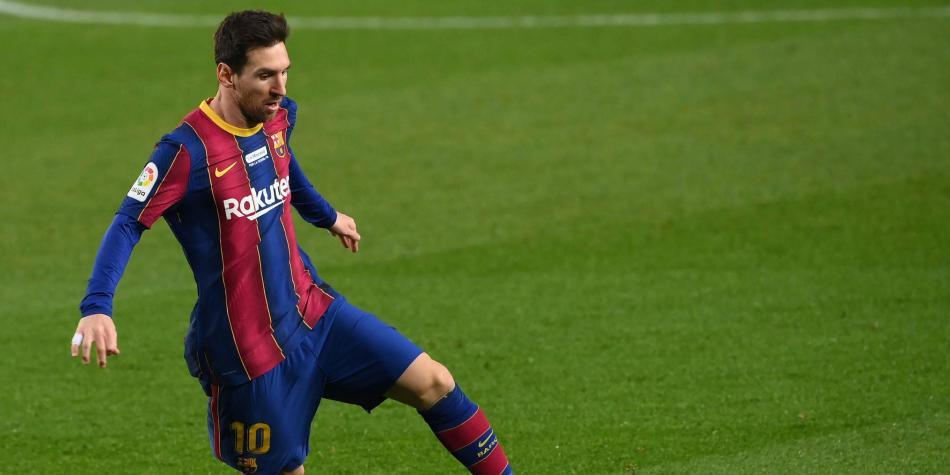 Messi firmó con el Barcelona el contrato más caro del deporte